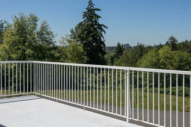 Detached at 3857 ABBOTSFORD MISSION HIGHWAY, Abbotsford, British Columbia. Image 4