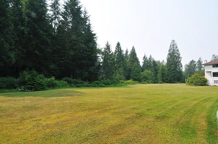Detached at 26382 TRETHEWEY CRESCENT, Maple Ridge, British Columbia. Image 4