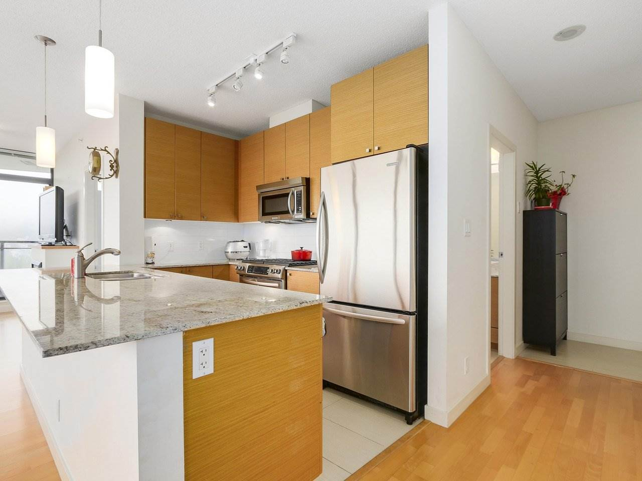 Condo Apartment at 1606 110 BREW STREET, Unit 1606, Port Moody, British Columbia. Image 9