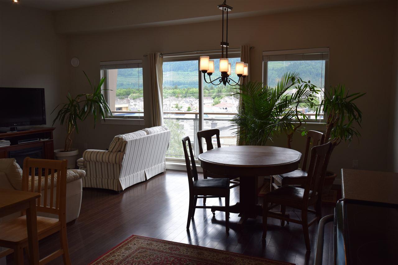 Condo Apartment at 403 38142 CLEVELAND AVENUE, Unit 403, Squamish, British Columbia. Image 1