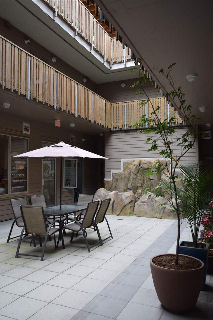 Condo Apartment at 403 38142 CLEVELAND AVENUE, Unit 403, Squamish, British Columbia. Image 11