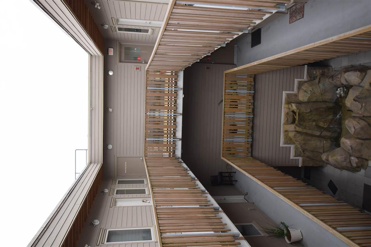 Condo Apartment at 403 38142 CLEVELAND AVENUE, Unit 403, Squamish, British Columbia. Image 15
