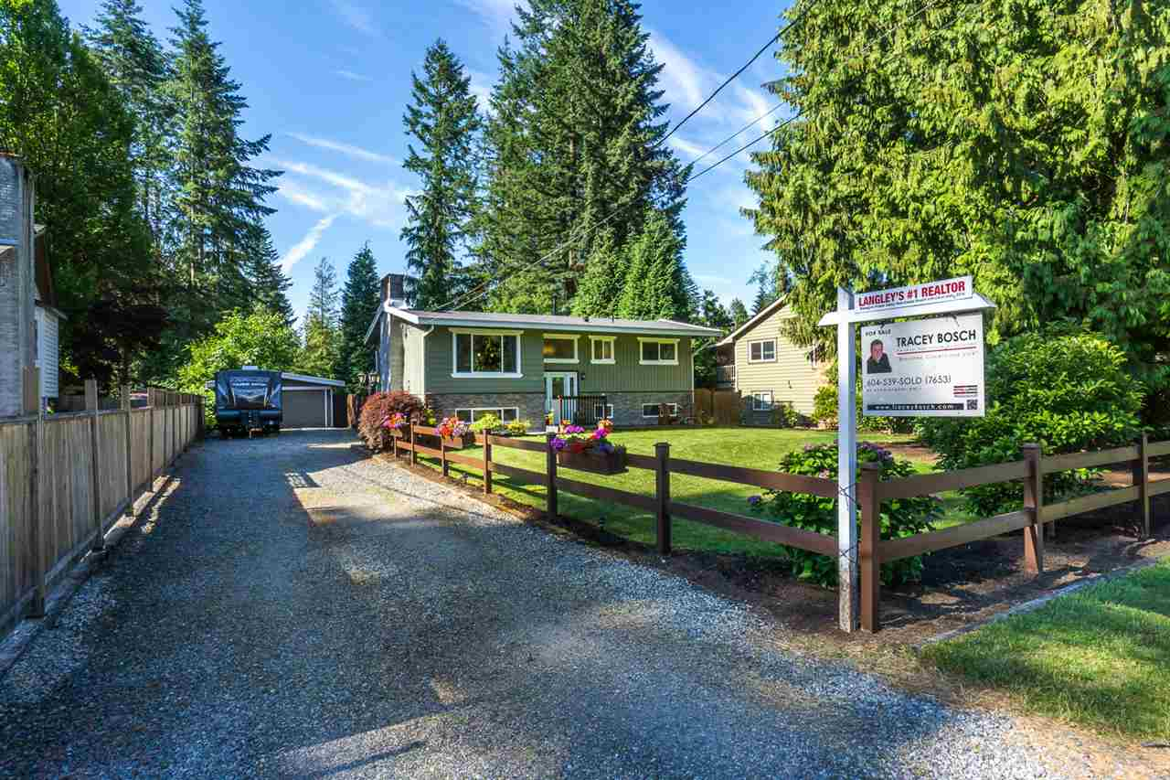 Detached at 19940 46 AVENUE, Langley, British Columbia. Image 1