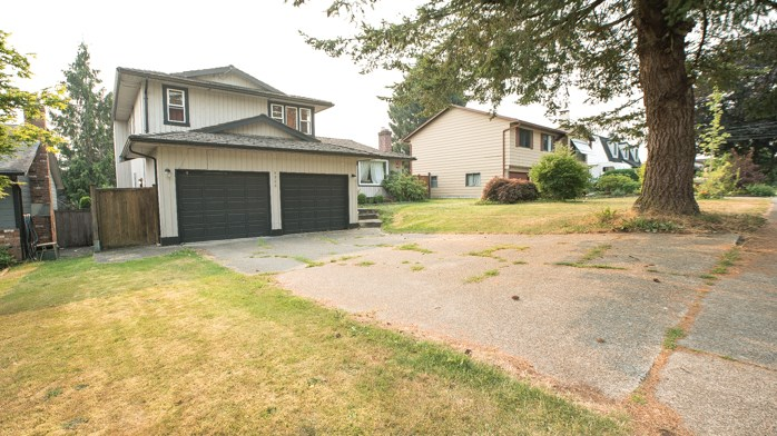 Detached at 3356 271A STREET, Langley, British Columbia. Image 1