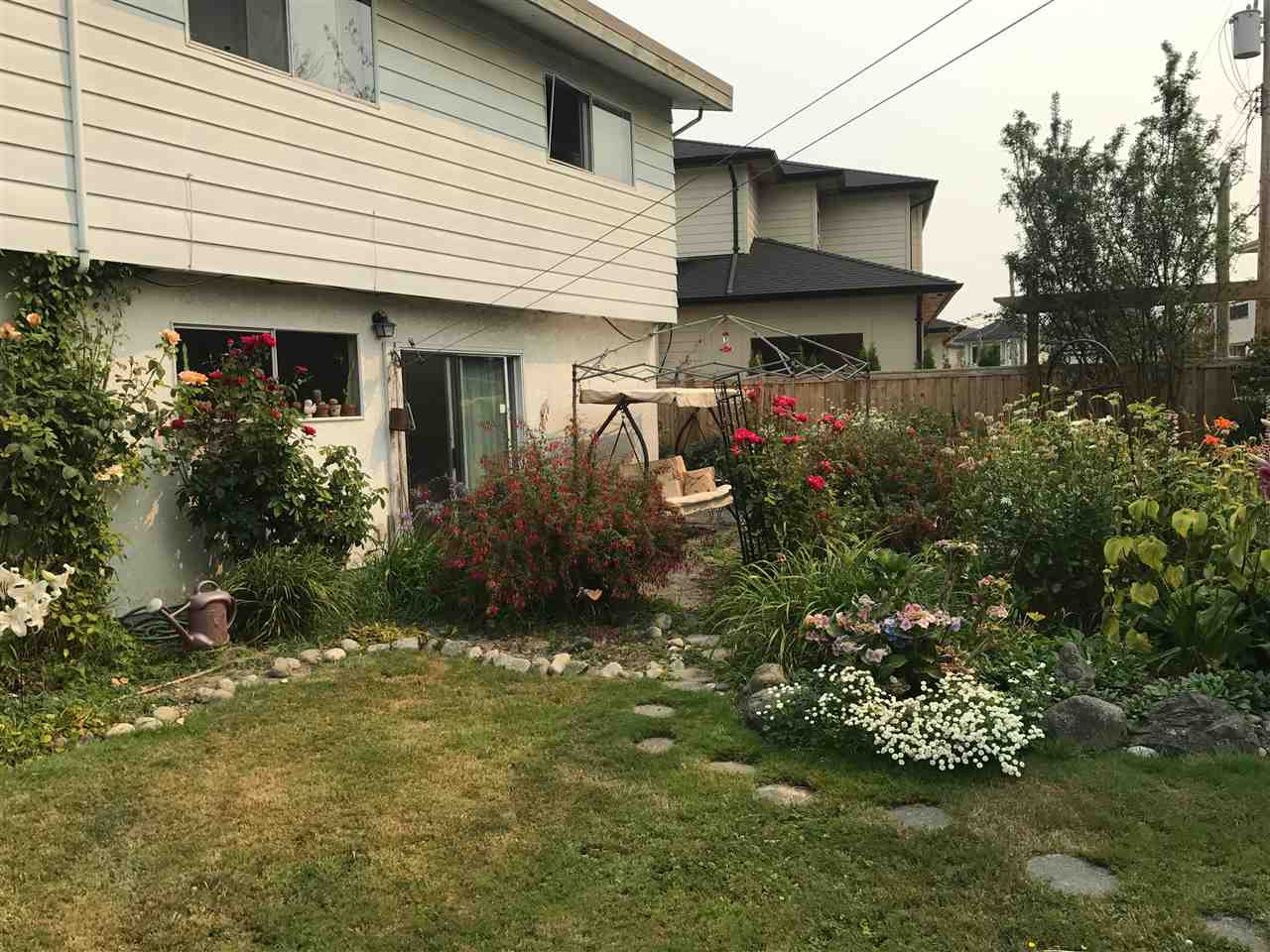 Detached at 11971 SEABROOK CRESCENT, Richmond, British Columbia. Image 3