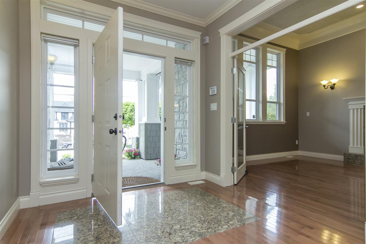 Detached at 21806 86A AVENUE, Langley, British Columbia. Image 2