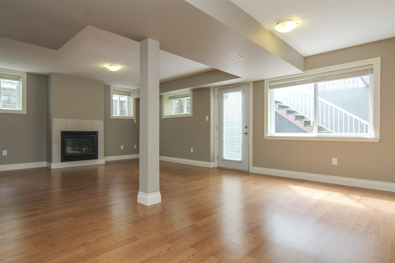 Detached at 21806 86A AVENUE, Langley, British Columbia. Image 13