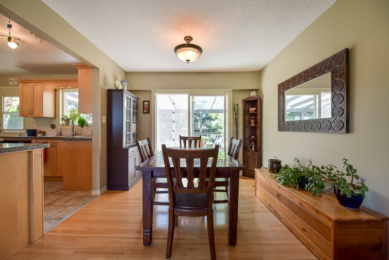 Detached at 20270 50 AVENUE, Langley, British Columbia. Image 5