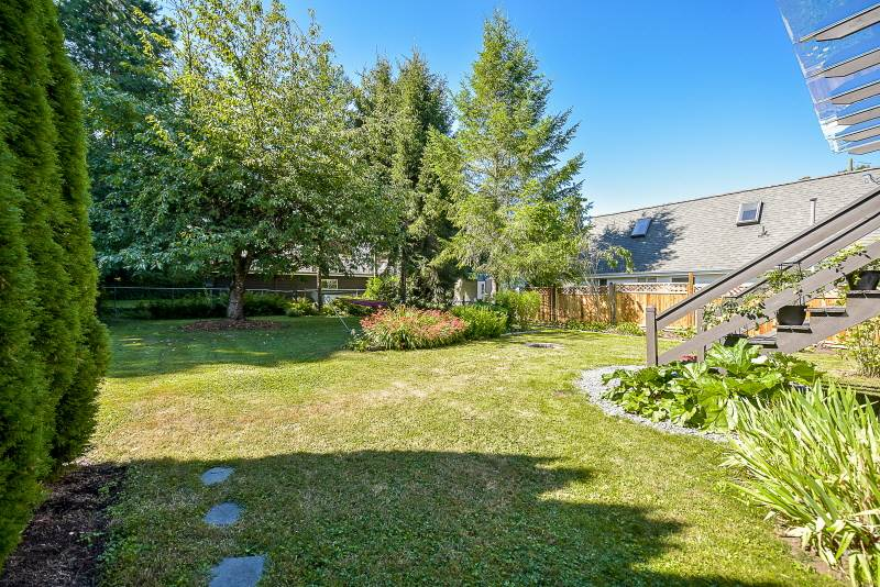 Detached at 20270 50 AVENUE, Langley, British Columbia. Image 19