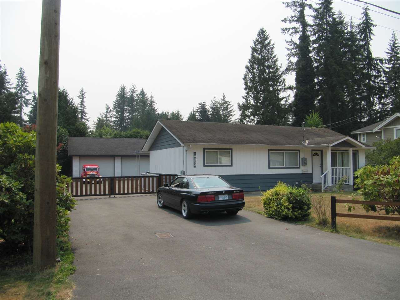 Detached at 19854 37A AVENUE, Langley, British Columbia. Image 2