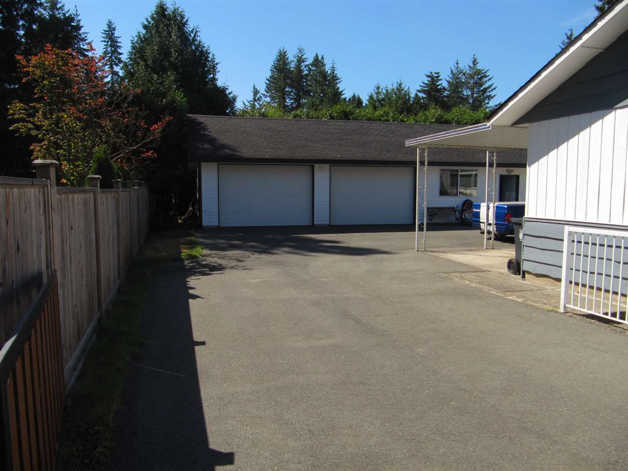 Detached at 19854 37A AVENUE, Langley, British Columbia. Image 5