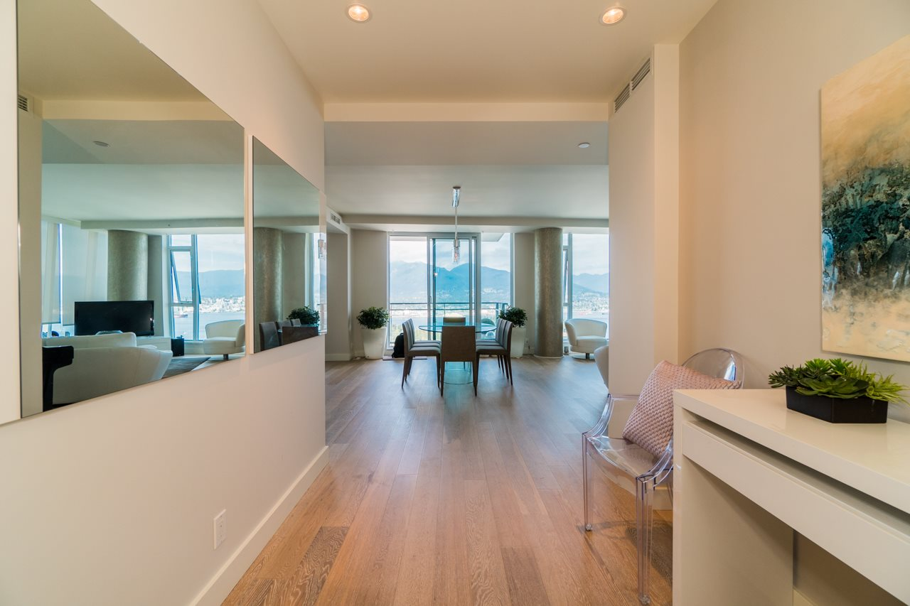 Condo Apartment at 3302 1499 W PENDER STREET, Unit 3302, Vancouver West, British Columbia. Image 7