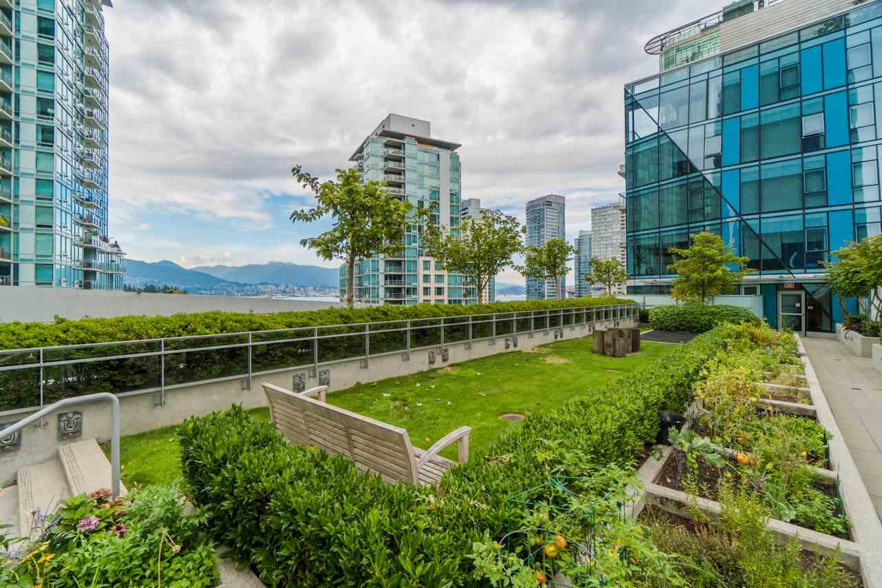 Condo Apartment at 3302 1499 W PENDER STREET, Unit 3302, Vancouver West, British Columbia. Image 19