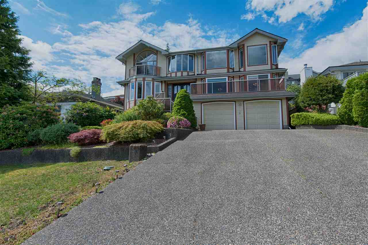 Detached at 706 ALTA LAKE PLACE, Coquitlam, British Columbia. Image 3