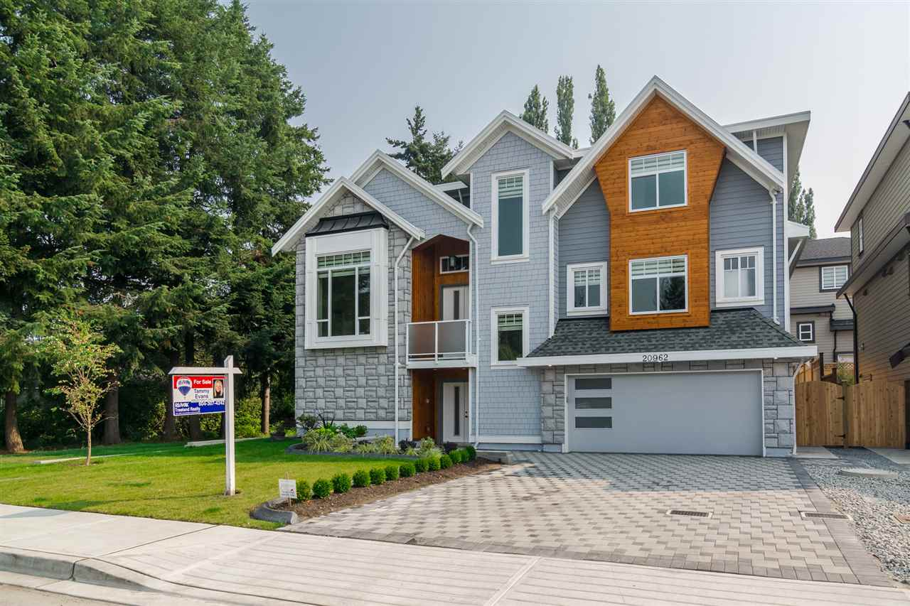 Detached at 20962 48 AVENUE, Langley, British Columbia. Image 1