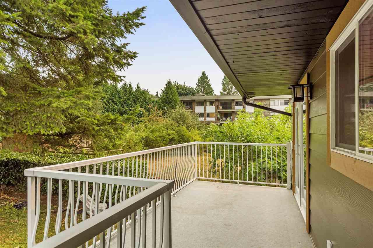 Detached at 11924 212TH STREET, Maple Ridge, British Columbia. Image 17