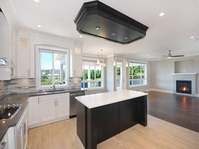 Detached at 214 JACKSON STREET, Coquitlam, British Columbia. Image 7
