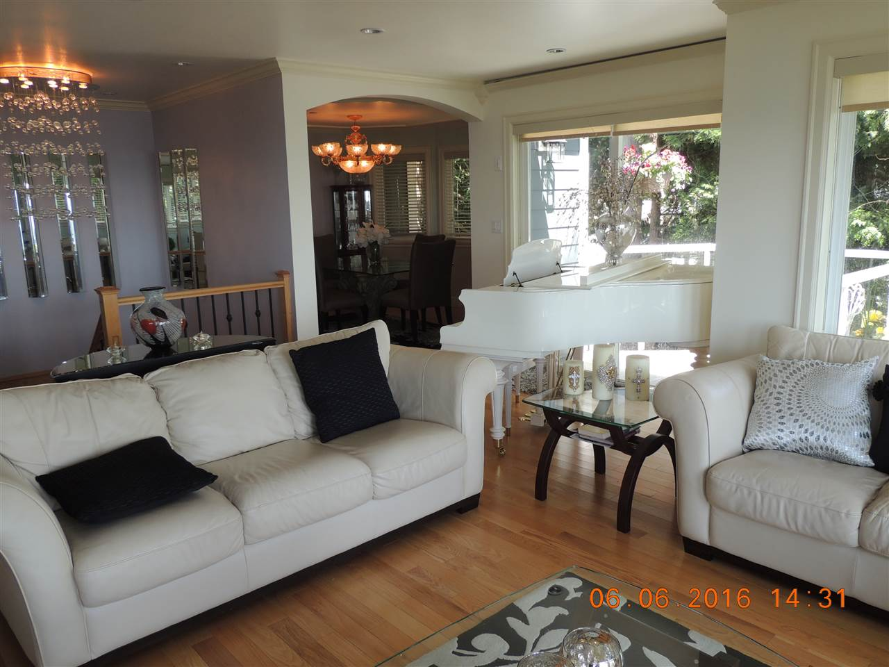 Detached at 1357 EVERALL STREET, South Surrey White Rock, British Columbia. Image 12