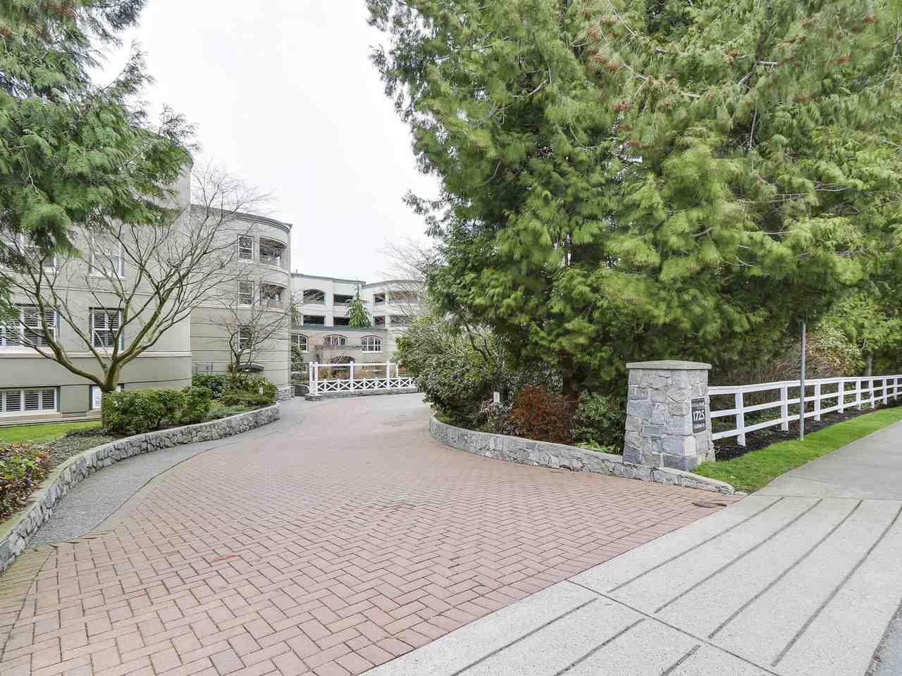 Condo Apartment at 201 1725 128 STREET, Unit 201, South Surrey White Rock, British Columbia. Image 1