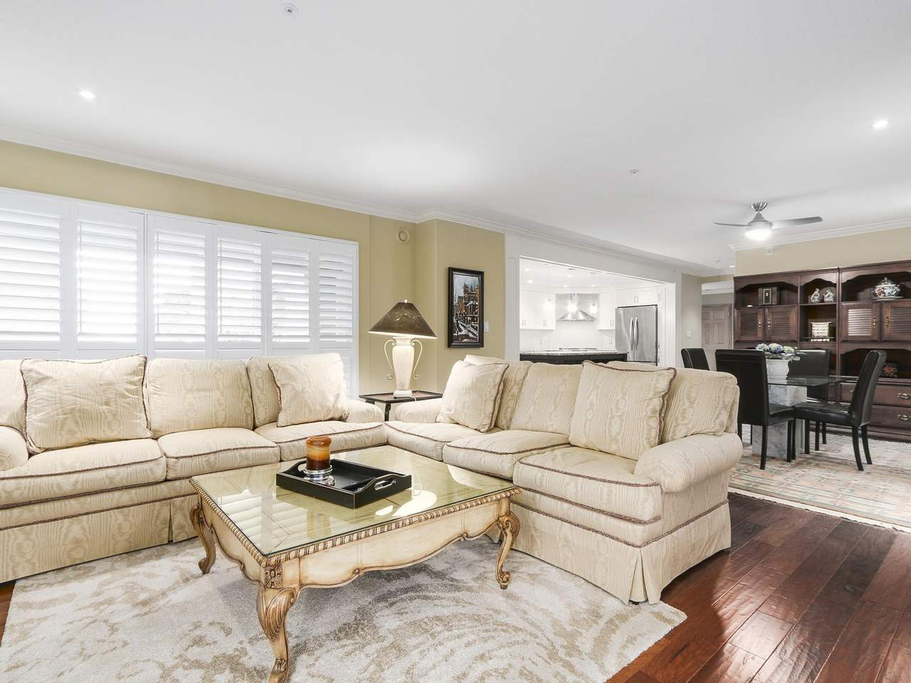 Condo Apartment at 201 1725 128 STREET, Unit 201, South Surrey White Rock, British Columbia. Image 4