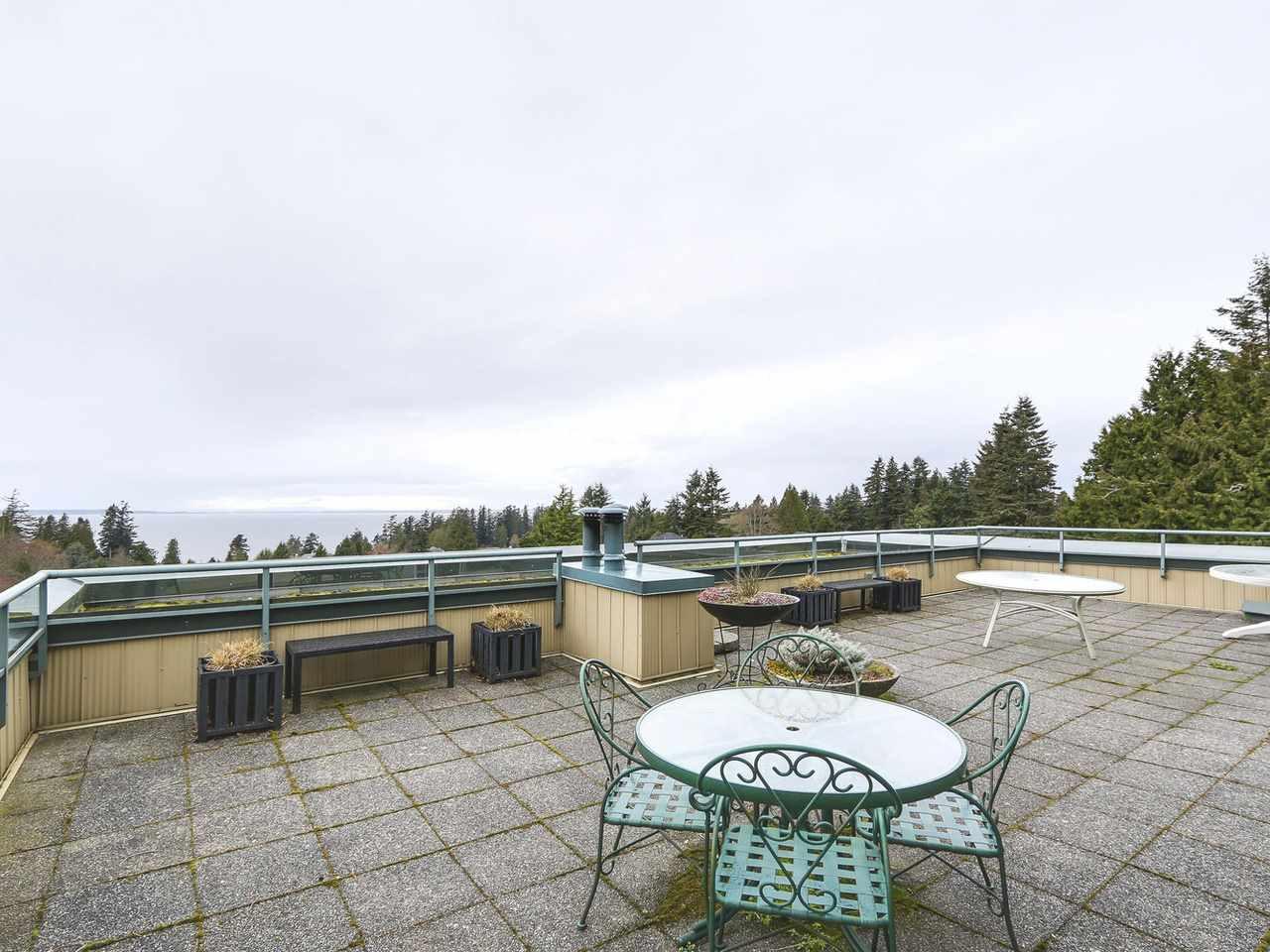 Condo Apartment at 201 1725 128 STREET, Unit 201, South Surrey White Rock, British Columbia. Image 15
