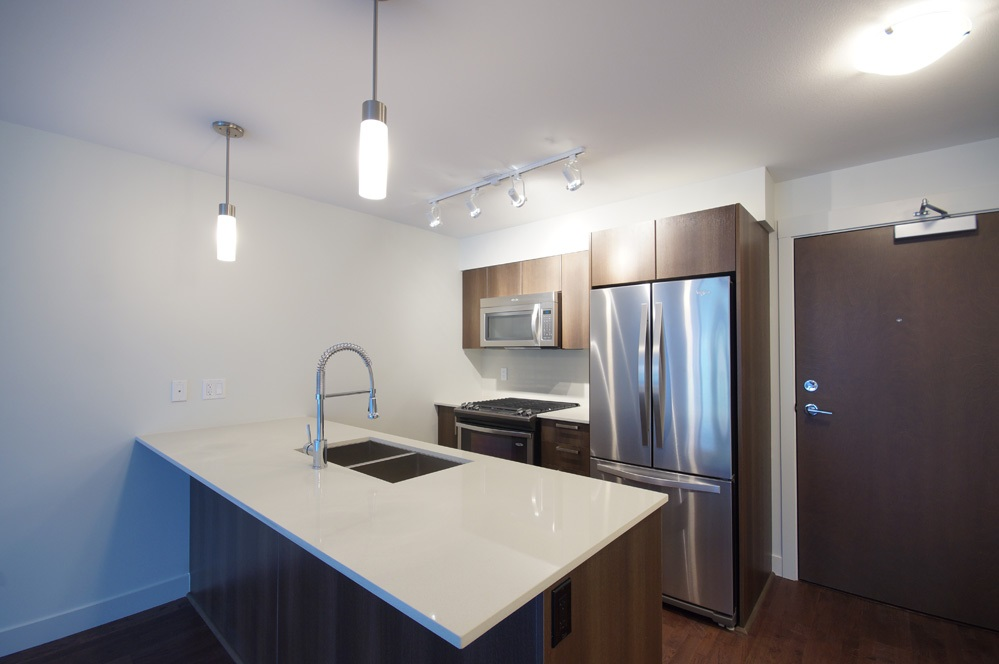 Condo Apartment at 115 7088 14TH AVENUE, Unit 115, Burnaby East, British Columbia. Image 4