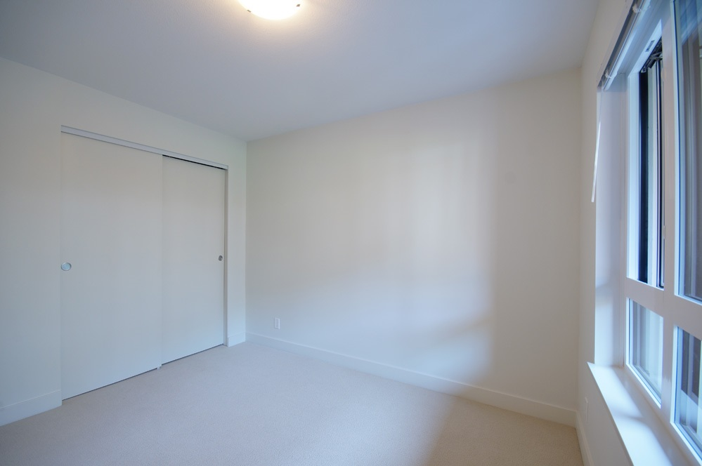 Condo Apartment at 115 7088 14TH AVENUE, Unit 115, Burnaby East, British Columbia. Image 10