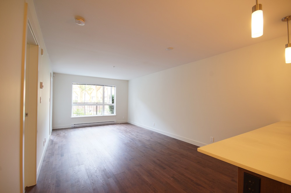Condo Apartment at 115 7088 14TH AVENUE, Unit 115, Burnaby East, British Columbia. Image 11