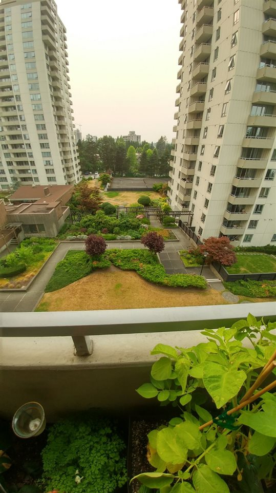Condo Apartment at 502 5645 BARKER AVENUE, Unit 502, Burnaby South, British Columbia. Image 8