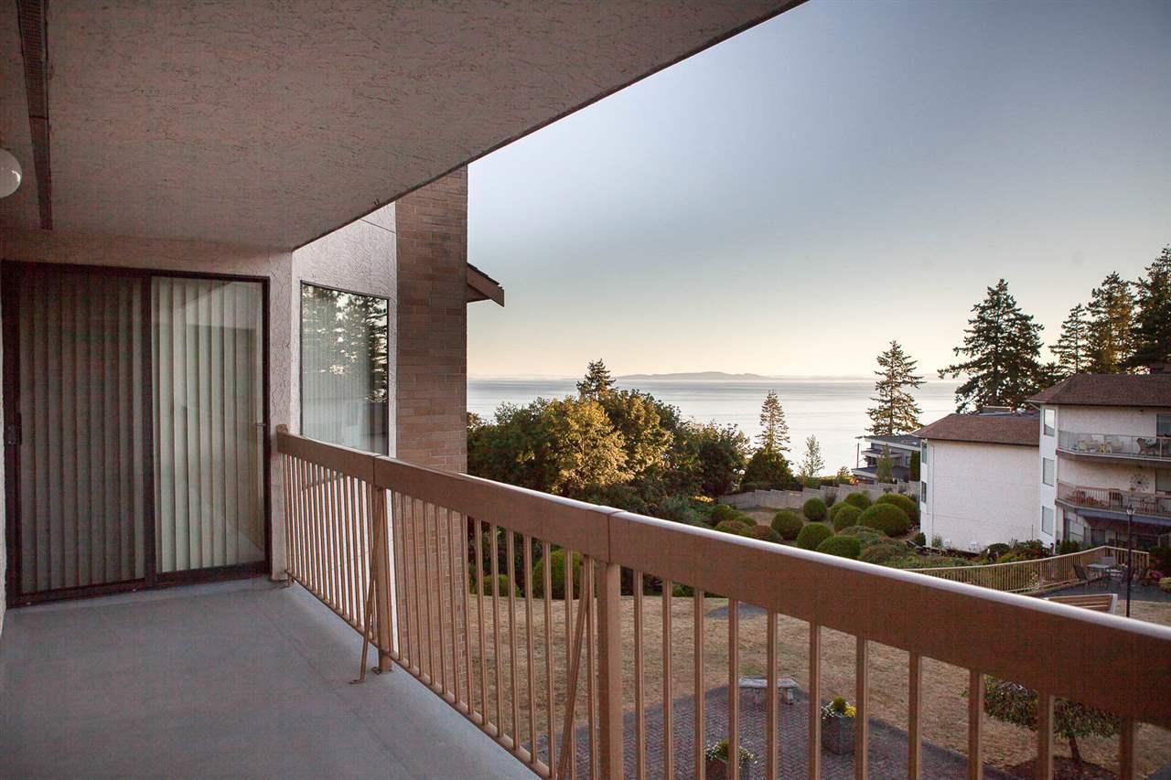 Condo Apartment at 406 1350 VIDAL STREET, Unit 406, South Surrey White Rock, British Columbia. Image 2