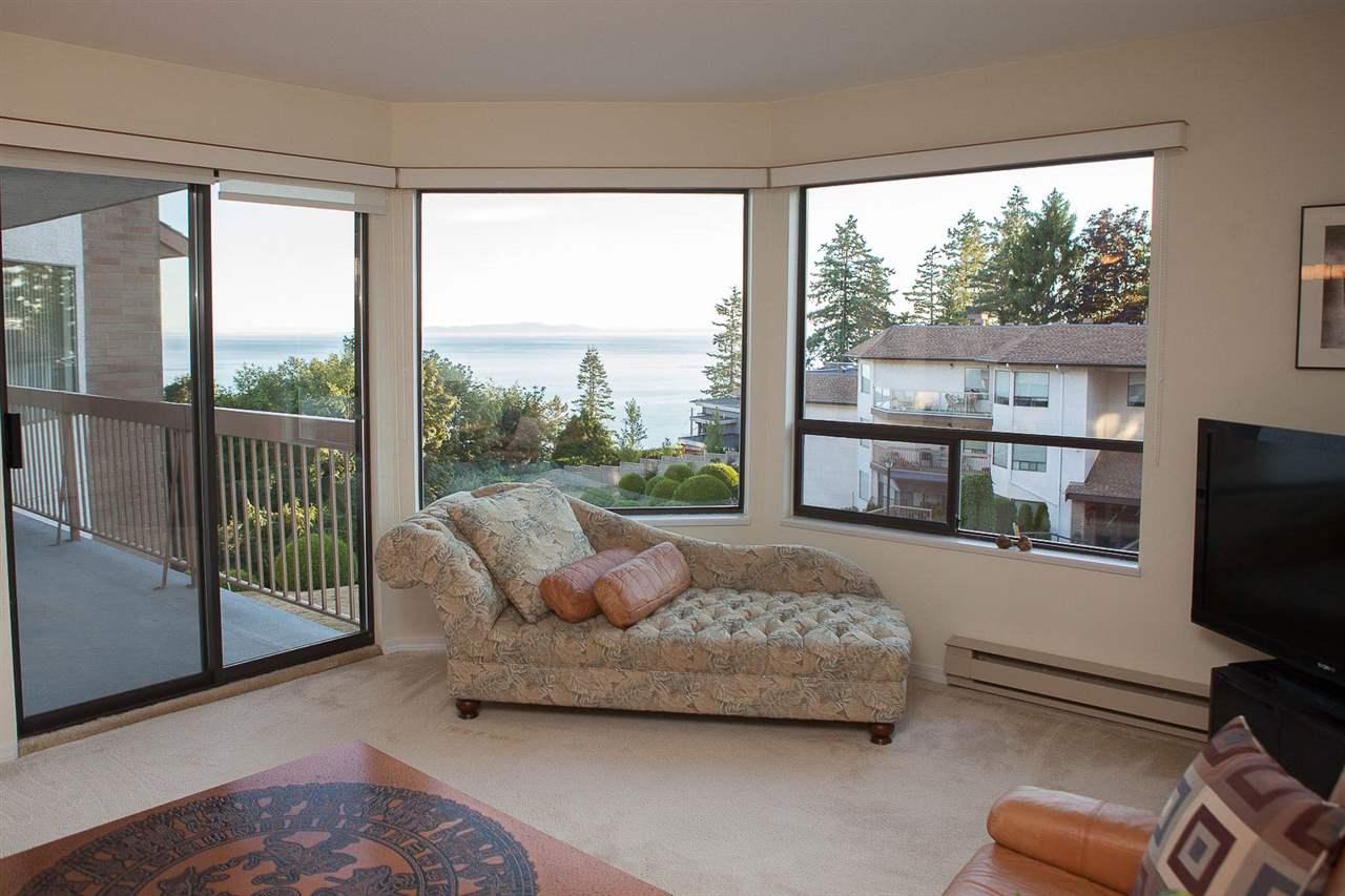 Condo Apartment at 406 1350 VIDAL STREET, Unit 406, South Surrey White Rock, British Columbia. Image 3