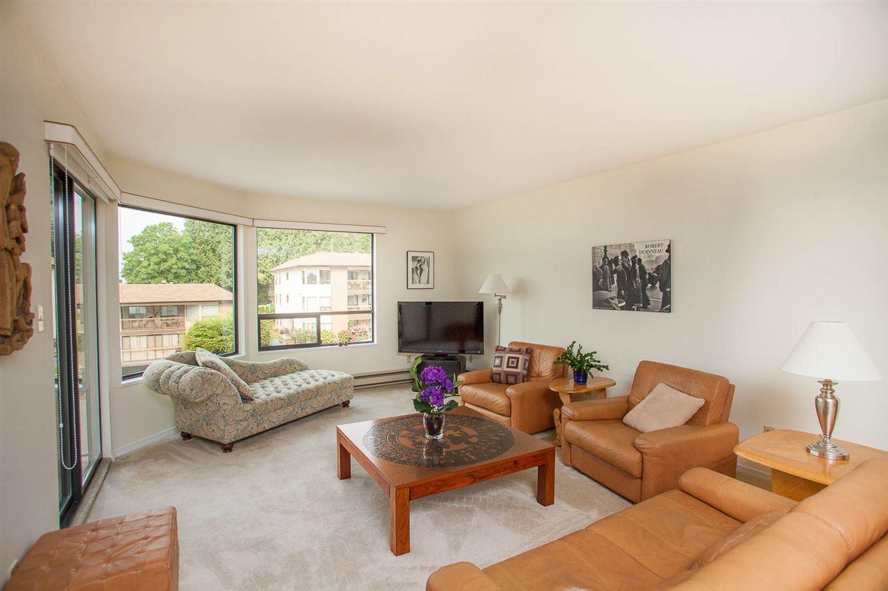 Condo Apartment at 406 1350 VIDAL STREET, Unit 406, South Surrey White Rock, British Columbia. Image 4