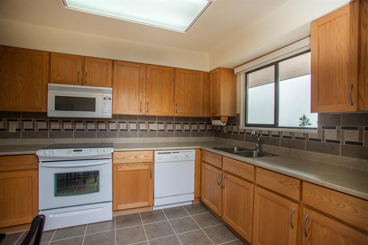 Condo Apartment at 406 1350 VIDAL STREET, Unit 406, South Surrey White Rock, British Columbia. Image 10
