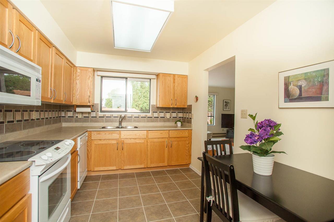 Condo Apartment at 406 1350 VIDAL STREET, Unit 406, South Surrey White Rock, British Columbia. Image 11