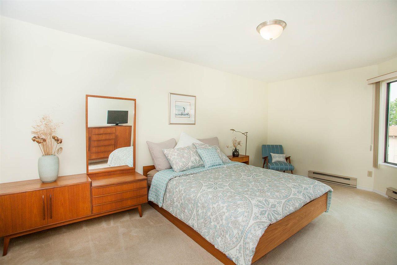 Condo Apartment at 406 1350 VIDAL STREET, Unit 406, South Surrey White Rock, British Columbia. Image 12