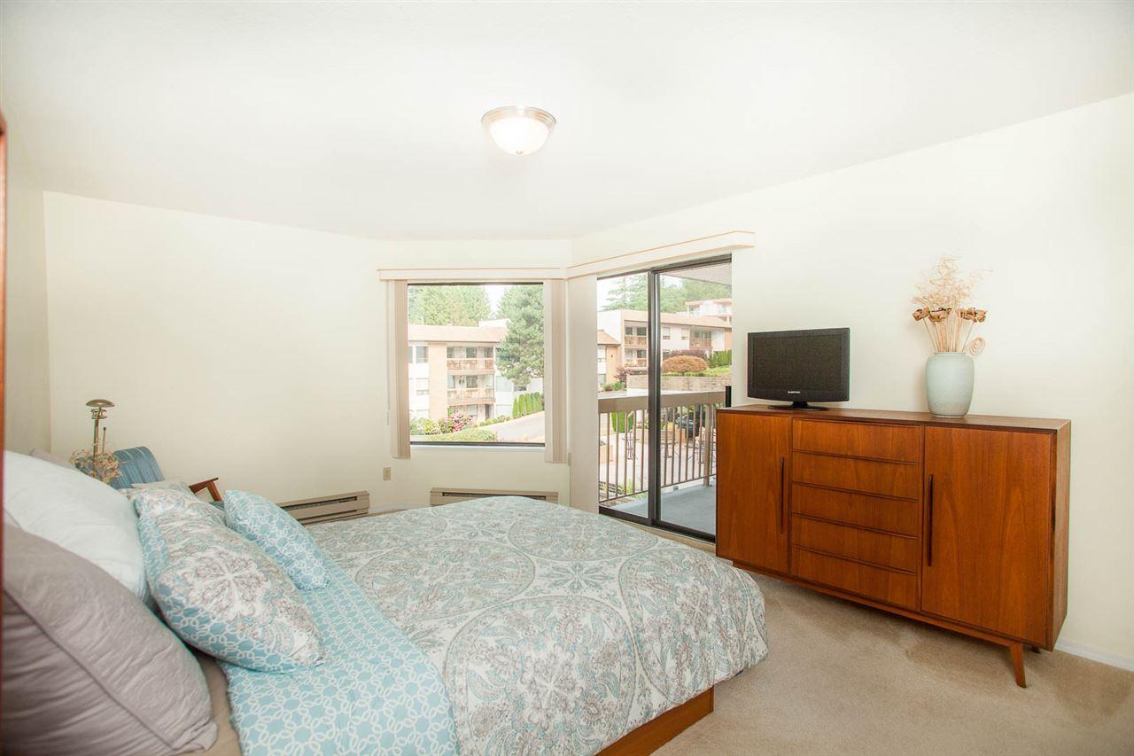 Condo Apartment at 406 1350 VIDAL STREET, Unit 406, South Surrey White Rock, British Columbia. Image 13