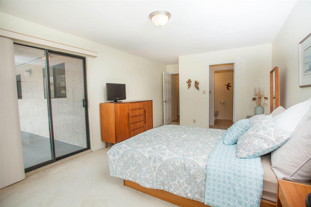 Condo Apartment at 406 1350 VIDAL STREET, Unit 406, South Surrey White Rock, British Columbia. Image 14