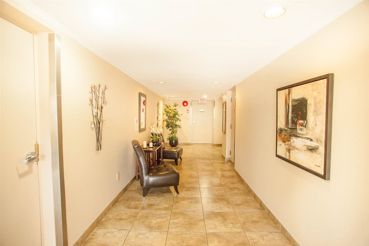 Condo Apartment at 406 1350 VIDAL STREET, Unit 406, South Surrey White Rock, British Columbia. Image 19