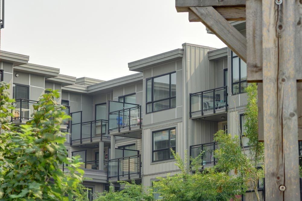 Condo Apartment at 416 7058 14TH AVENUE, Unit 416, Burnaby East, British Columbia. Image 6
