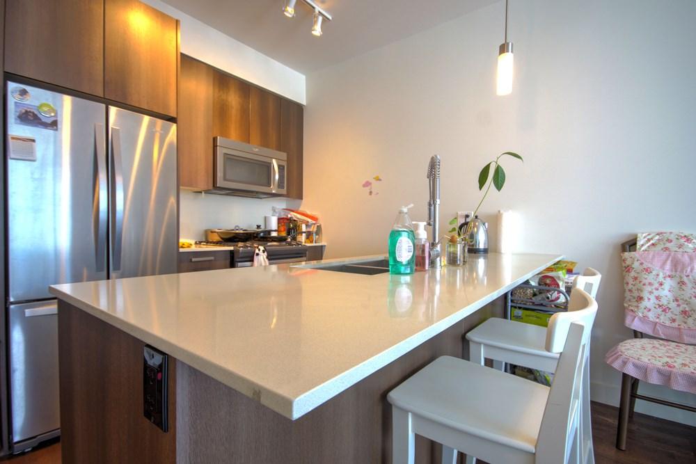 Condo Apartment at 416 7058 14TH AVENUE, Unit 416, Burnaby East, British Columbia. Image 8