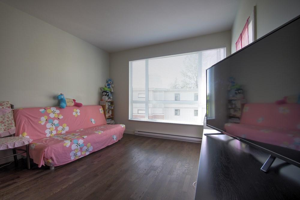 Condo Apartment at 416 7058 14TH AVENUE, Unit 416, Burnaby East, British Columbia. Image 13
