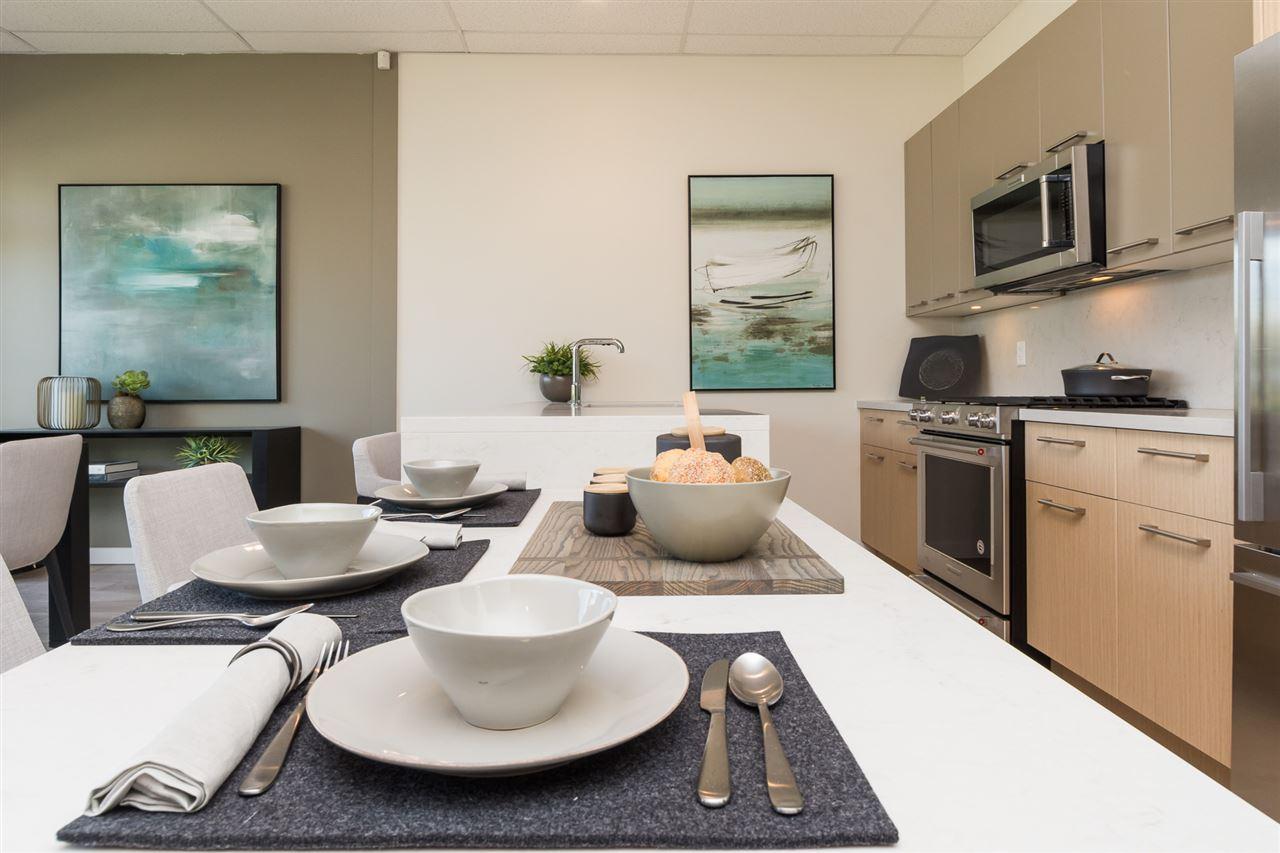 Condo Apartment at 206 14022 NORTH BLUFF ROAD, Unit 206, South Surrey White Rock, British Columbia. Image 5
