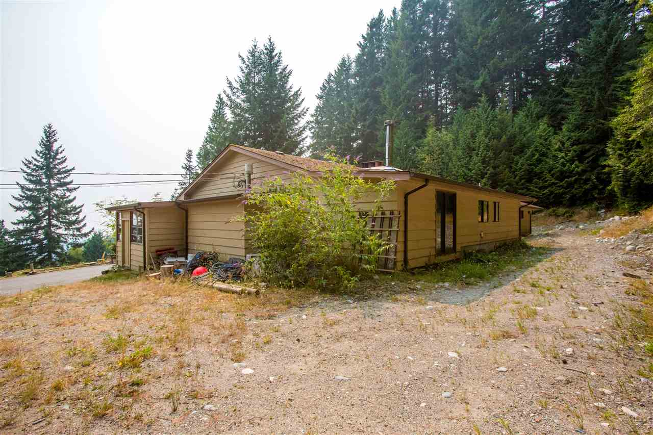 Detached at 1077 KEITH ROAD, Sunshine Coast, British Columbia. Image 7