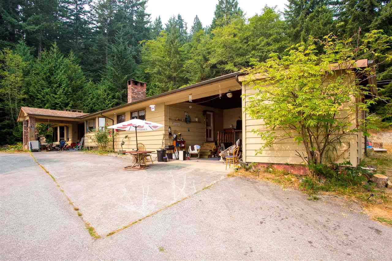 Detached at 1077 KEITH ROAD, Sunshine Coast, British Columbia. Image 9