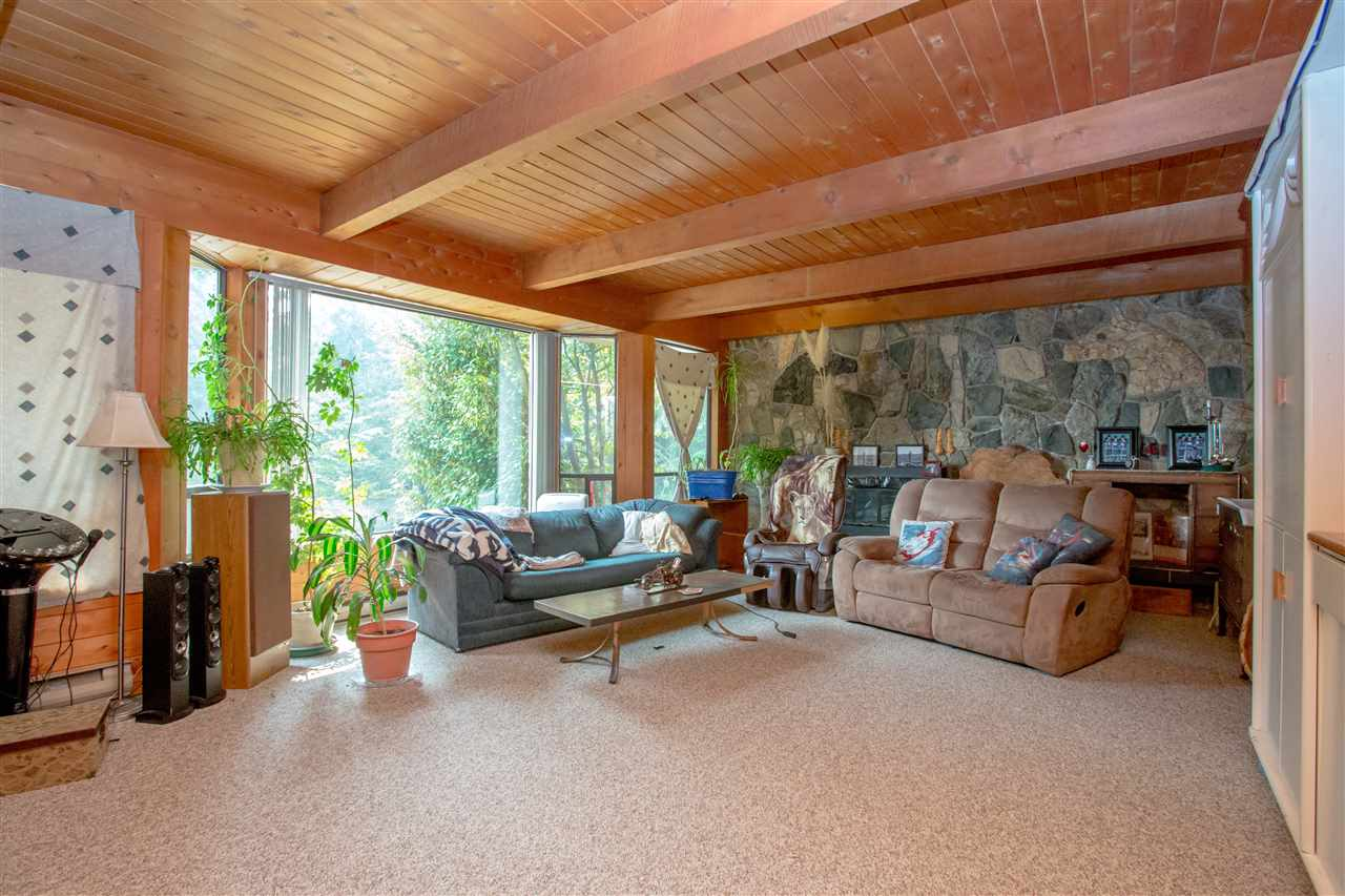 Detached at 1077 KEITH ROAD, Sunshine Coast, British Columbia. Image 10