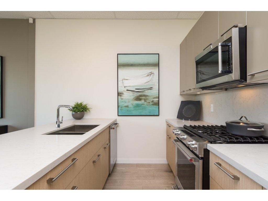 Condo Apartment at 501 14022 NORTH BLUFF ROAD, Unit 501, South Surrey White Rock, British Columbia. Image 6
