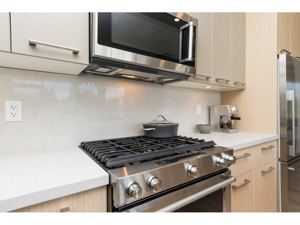 Condo Apartment at 501 14022 NORTH BLUFF ROAD, Unit 501, South Surrey White Rock, British Columbia. Image 7