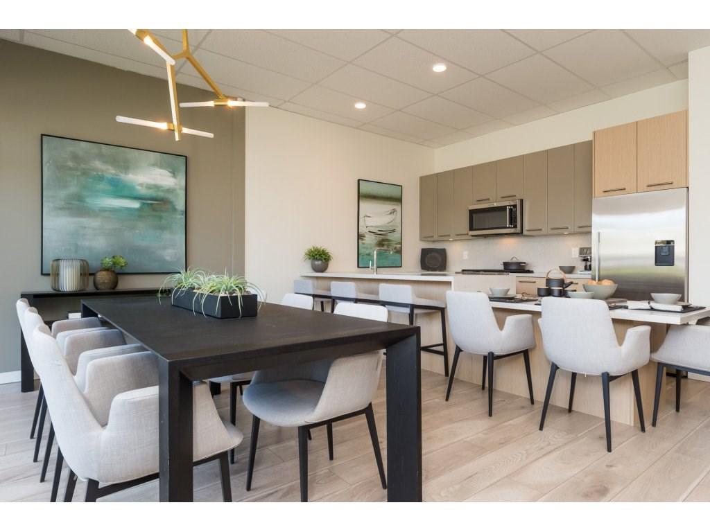 Condo Apartment at 501 14022 NORTH BLUFF ROAD, Unit 501, South Surrey White Rock, British Columbia. Image 9