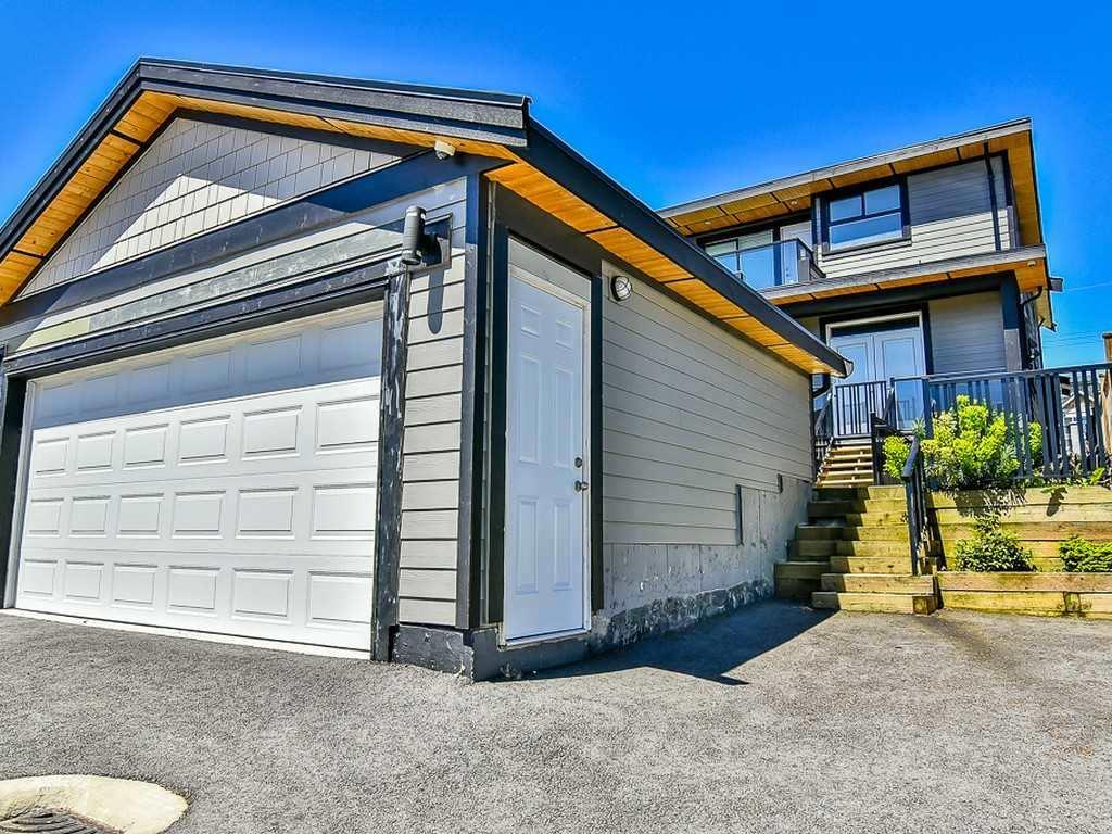 Detached at 1040B WALLS AVENUE, Coquitlam, British Columbia. Image 20