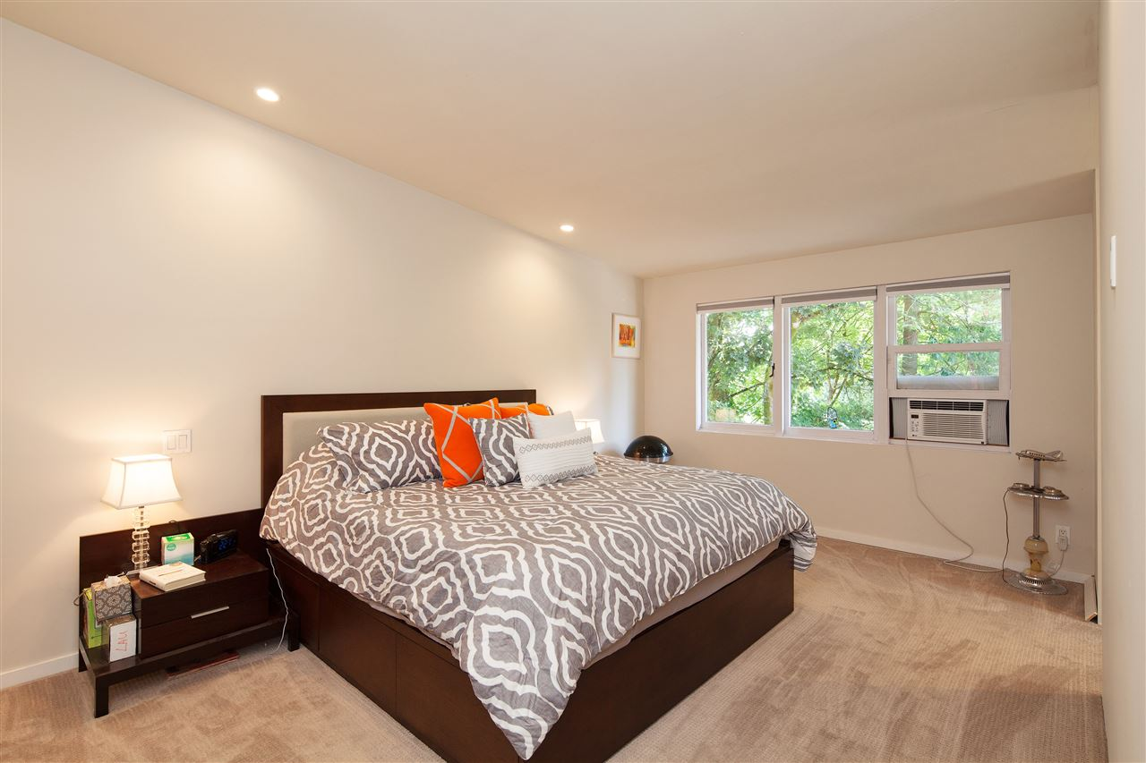 Detached at 6137 COLLINGWOOD PLACE, Vancouver West, British Columbia. Image 8